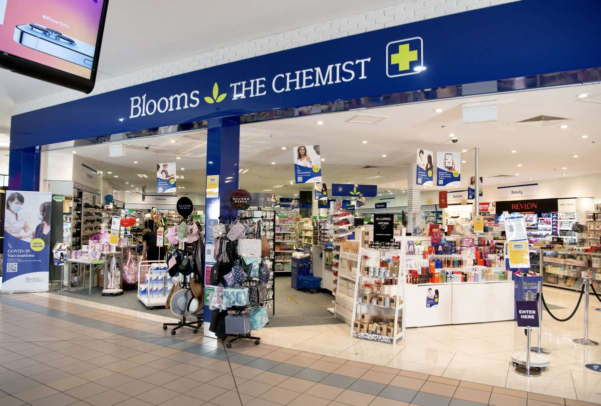 accessprojects blooms the chemist castle plaza 04